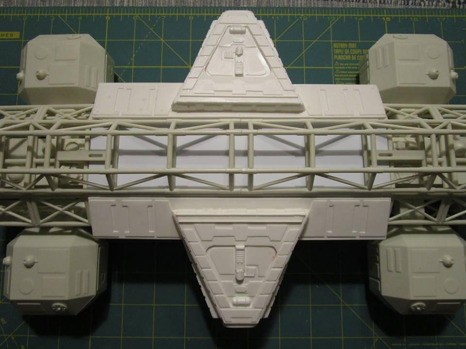 MPC Space:1999 Eagle II w//Lab Pod 1//48 Scale Movie Replica Model Kit